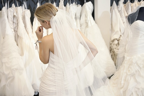 buying-used-wedding-dress